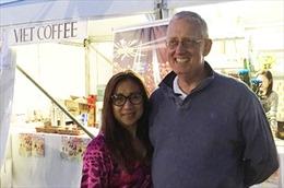 Chuyện về ông Tây bán cà phê Việt