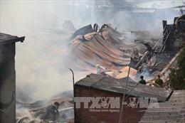 Cháy dữ dội công ty gỗ ở Bình Dương
