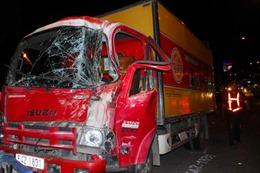 3 xe tải tông nhau liên hoàn trên cầu Tham Lương