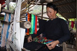 Luống Nọi gìn giữ nghề dệt thổ cẩm truyền thống