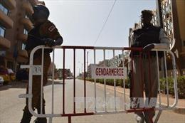 Ba đối tượng vụ khủng bố ở Burkina Faso vẫn đang lẩn trốn