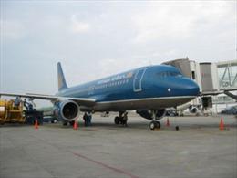 Vietnam Airlines vận chuyển đào, mai Tết
