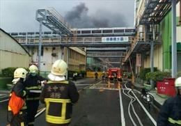 Cháy nhà máy hóa chất ở Đài Loan