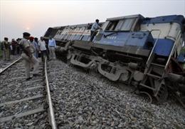Tàu trật bánh ở Ấn Độ, hơn 40 người bị thương