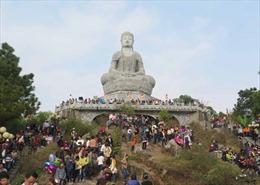 Tưng bừng lễ hội chùa Phật Tích