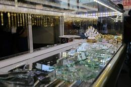 Đã bắt được nghi phạm dùng búa tấn công chủ tiệm vàng tại Bình Định