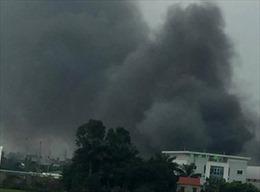 Cháy rụi 4.000 m2 nhà kho công ty Hàn Quốc tại Phố Nối