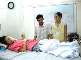 Đình chỉ công tác 4 cán bộ trong vụ nữ sinh bị cưa chân