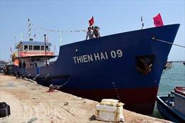 Bàn giao tàu hậu cần vỏ thép cho ngư dân Lý Sơn