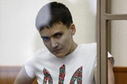 Nga thả nữ phi công Ukraine đổi lấy 2 công dân đang thụ án ở Mỹ