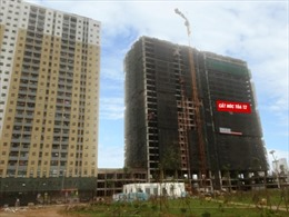 Cất nóc tòa nhà T2 dự án Thăng Long Victory