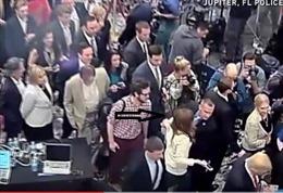 Quản lí chiến dịch Trump bị bắt vì hành hung phóng viên