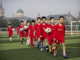 Khi Trung Quốc đổ tiền cho tham vọng túc cầu