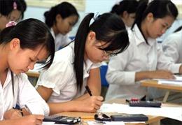 Tránh lạm dụng thông tin thời sự trong đề thi
