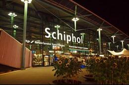 Một phần sân bay Amsterdam bị phong toả do nghi có bom