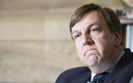 Bộ trưởng Văn hóa Anh thú nhận quan hệ với gái mại dâm