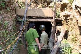 4 người chết vì ngạt khí độc trong hầm vàng