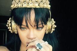 """""""Work"""" giúp Rihanna vượt mặt The Beatles"""
