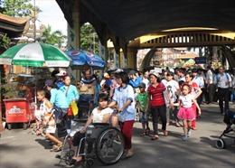 Chăm lo cho người khuyết tật