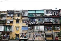 Hà Nội di dời khẩn cấp dân tại 3 chung cư cũ