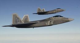 """""""Mãnh điểu"""" tàng hình F-22 xuất hiện gần Crimea"""