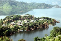 Chuyện kể ở vùng hồ Sông Đà