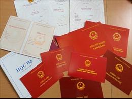 Cảnh cáo Trưởng BTC Thành ủy mượn bằng tốt nghiệp