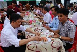Lãnh đạo, công chức Đà Nẵng tiêu thụ hải sản địa phương