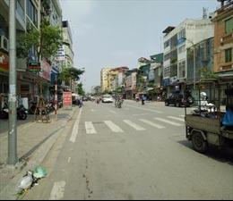 Báo động nhà siêu mỏng siêu méo ở phố Thanh Nhàn