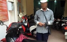 Bát nháo xe ôm sân bay Tân Sơn Nhất