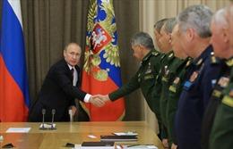 Tổng thống Putin ca ngợi vũ khí Nga tại Syria