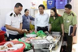 Đường dây nóng về vệ sinh an toàn thực phẩm tại Hà Nội