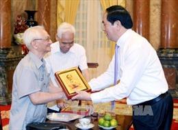 Chủ tịch nước gặp cán bộ từng phục vụ, bảo vệ Bác Hồ