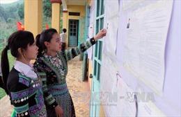 Đồng bào Mông vùng cao Mù Cang Chải hướng về ngày hội  bầu cử