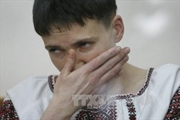 Nữ phi công Ukraine được trả tự do