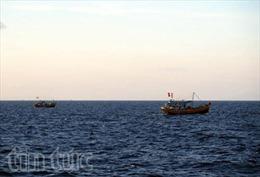 Tàu cá có 4 ngư dân bị mất liên lạc gần 1 tuần được lai dắt vào bờ an toàn