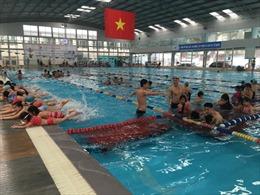 """Dạy bơi cho trẻ em: Vẫn """"đánh trống bỏ dùi"""""""