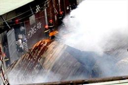 Hỏa hoạn thiêu rụi xưởng gỗ 1.000 m2
