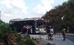 Khắc phục hậu quả vụ tai nạn xe khách thảm khốc tại Lào