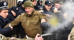 Phe cực hữu bao vây Tổng Lãnh sự quán Nga tại Odessa