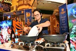 Lễ hội đường phố thu hút nhiều bạn trẻ Hà thành