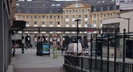 Sơ tán ga tàu Brussels vì gói đồ khả nghi