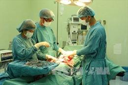 Cứu sống thanh niên bị vật nhọn đâm thủng tim