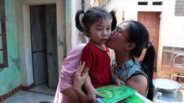Trao tặng 200 triệu đồng và học bổng cho con Đại tá Trần Quang Khải