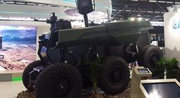 Robot quân sự tự hành nặng 7 tấn trình làng