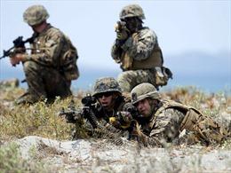 Quân đội Mỹ sắp dỡ rào cản với người chuyển giới