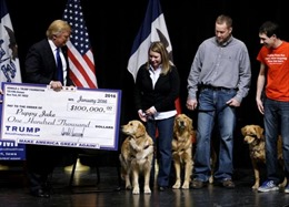 "Ông Trump bị tố ""hứa cuội"" hàng triệu USD từ thiện"