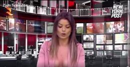 Nữ phát thanh viên bán khỏa thân đưa tin thời sự