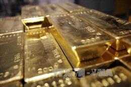 """Vàng tăng giá liên tiếp, """"vàng đen"""" giảm mạnh"""