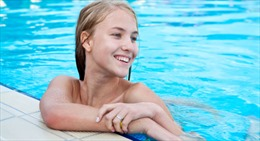 Madrid cho phép tắm khỏa thân trong bể bơi thành phố